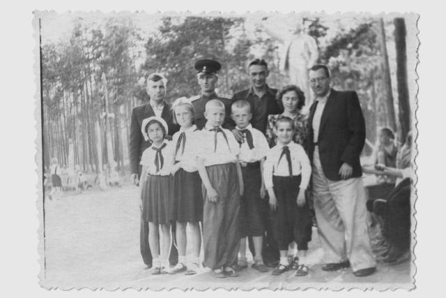 12 родительский день 1963.jpg