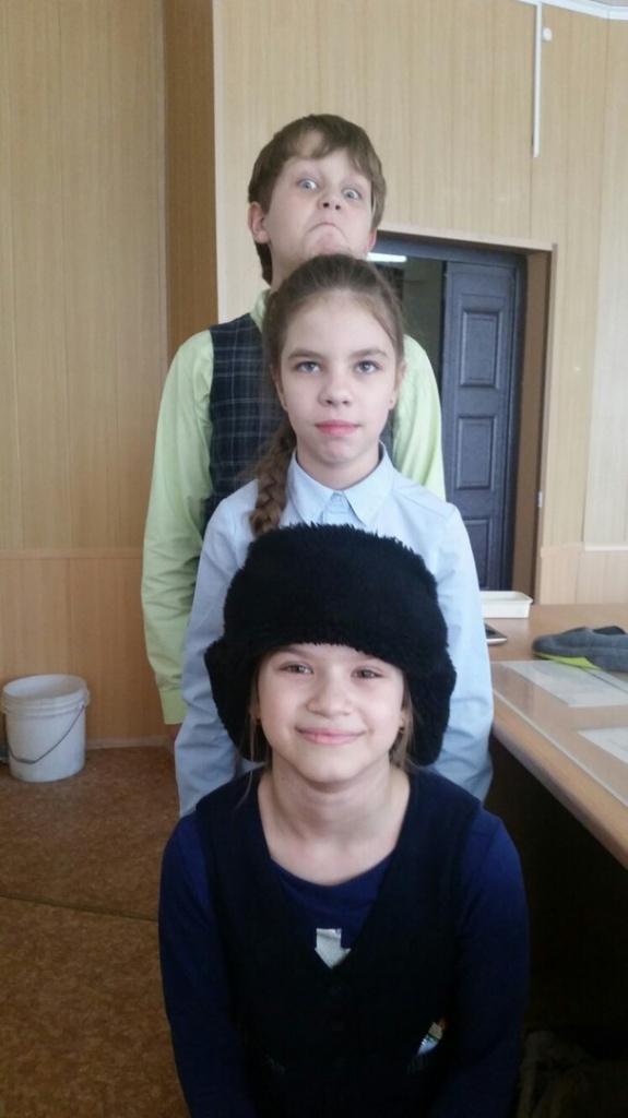 Богдан Комбаров Ирина Бачурина Кристина Бурмак.jpg