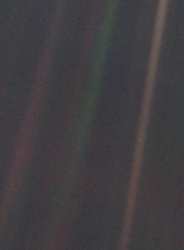 pale_blue_dot.jpg